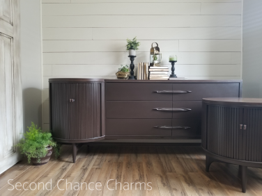 https://secondchancecharms.com/2018/07/11/retro-dresser-and-nightstand/